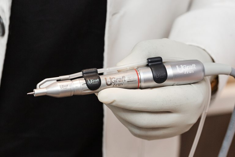 complete handpiece with fluid accessories
